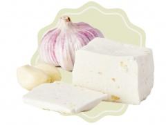 Kozí sýr přírodní s česnekem